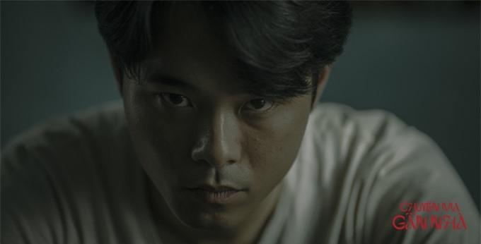 Trong lúc phim Tà Năng - Phan Dũng đang hoãn chiếu vì Covid-19, diễn viên trẻ Huỳnh Thanh Trực thử sức với vai diễn mới.