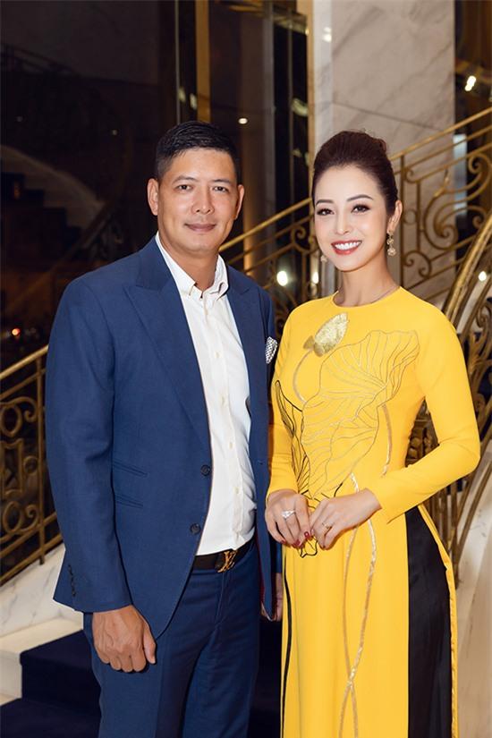 Jennifer Phạm và Bình Minh từng là bạn dẫn ăn ý của nhau trong nhiều chương trình. Tuy nhiên, do ảnh hưởng của dịch Covid-19 nên năm nay cả hai ít có dịp làm việc chung.