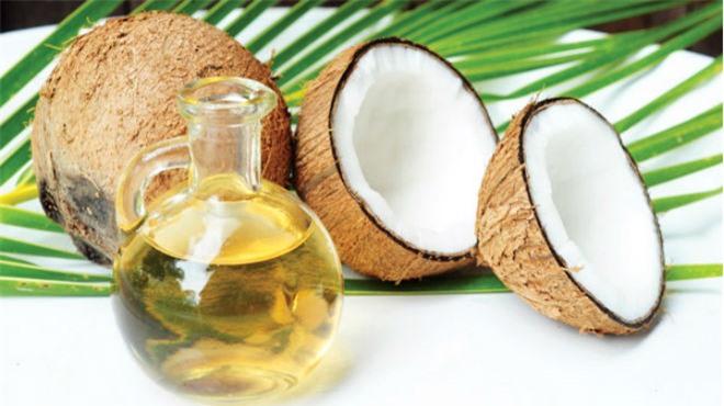 Cách chữa rụng tóc từ thiên nhiên với quả dừa và dầu dừa hiệu quả bất ngờ