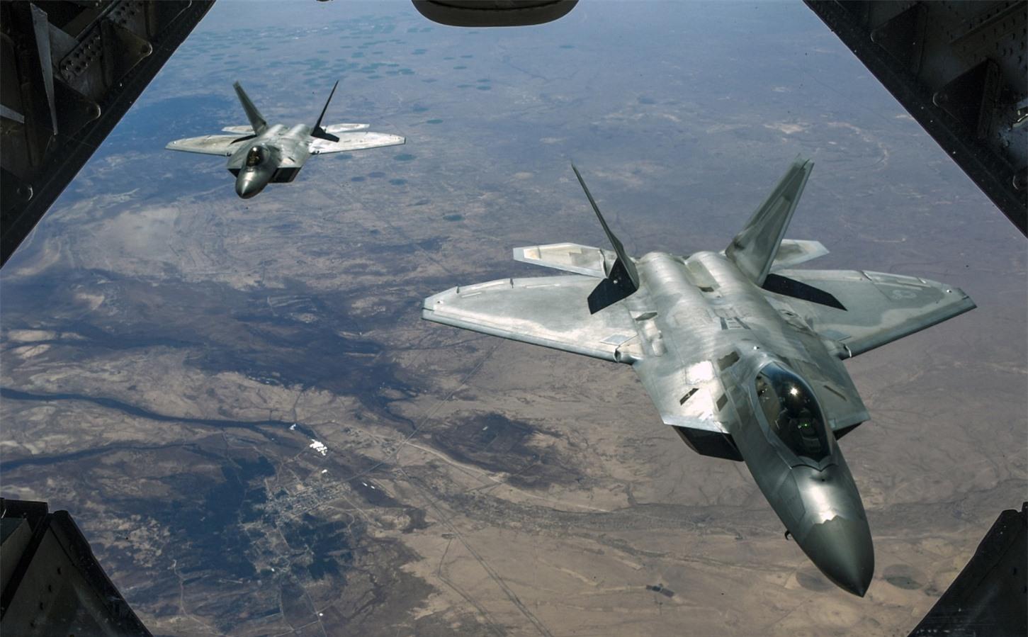 Mỹ lại tạo 'địa chấn' ở Trung Đông bằng 'mãnh điểu' F-22?