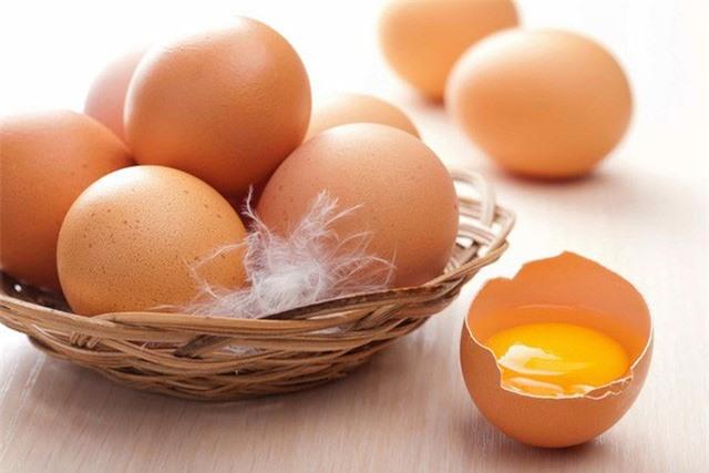 Trứng gà rất tốt cho sức khỏe nhưng ăn theo kiểu này chẳng khác nào rước thuốc độc vào người - Ảnh 2.