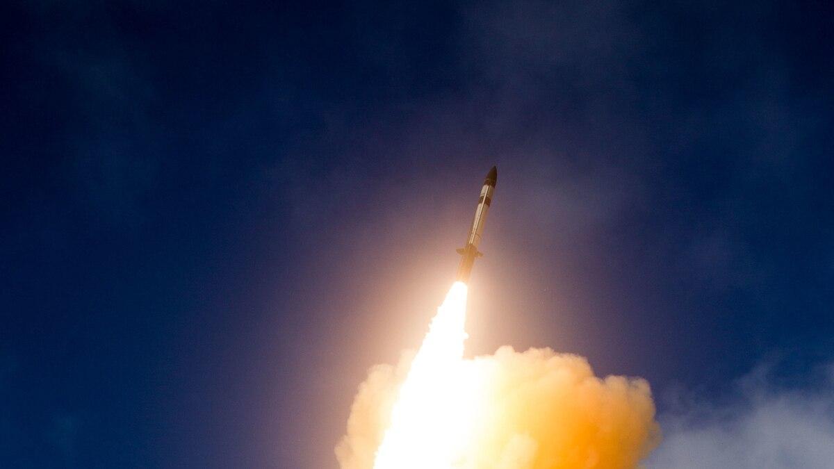 Tên lửa đánh chặn SM-3 Block IIA đã tiêu diệt thành công mục tiêu cấp tên lửa đạn đạo. Ảnh: Janes Defense.