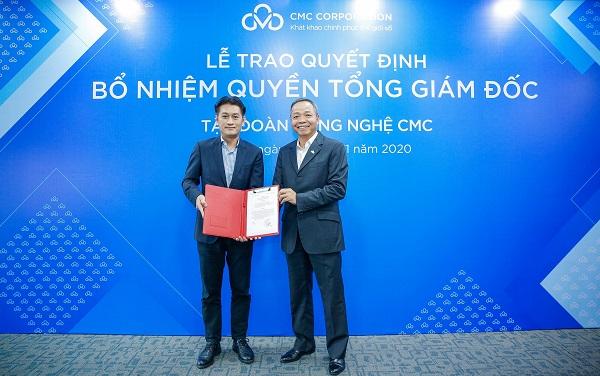 Ông Hồ Thanh Tùng (bên trái) vừa được bổ nhiệm giữ chức vụ Quyền Tổng giám đốc CMC.