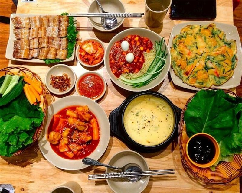 thoi-quen-an-uong-lam-tang-duong-huyet-sau-bua-toi-02