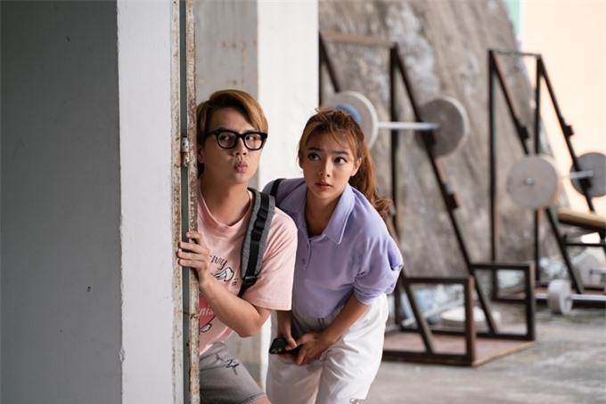 Duy Khánh hài hước bên Katleen Phan Võ.