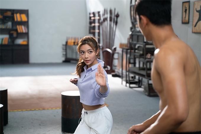 Katleen Phan Võ trổ tài võ thuật trên màn ảnh.