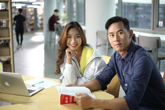Katleen và Tiến Hoàng trên trường quay.