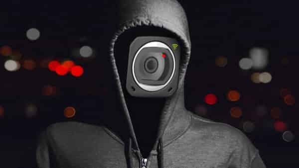 các camera IP gặp rủi ro là vì chúng được cài đặt và vận hành thông qua Internet.