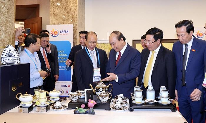 Gốm sứ Minh Long được lựa chọn là 1 trong 9 nhà tài trợ đặc biệt ASEAN 2020.
