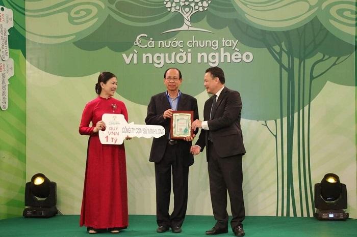 Gốm sứ Minh Long ủng hộ 1 tỷ đồng cùng chung tay vì người nghèo 2020.