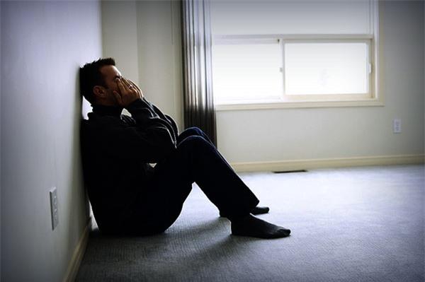 Nghe bạn bè gièm pha vợ bỏ nhà theo trai, tôi cay cú trả thù vợ bằng cách sống buông thả, không ngờ 3 tháng sau mới biết căn nguyên khiến tôi đau điếng - Ảnh 1.