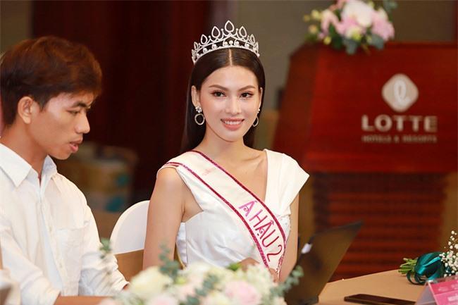 Á hậu 2 Ngọc Thảo lộ ảnh quá khứ đi diễn nội y trong show của Vũ Khắc Tiệp - Ảnh 5.