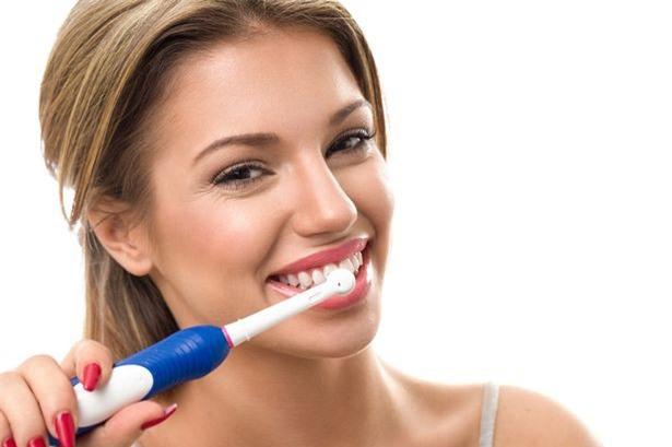 Đánh răng trước khi đi ngủ