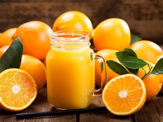 Nước cam giúp mẹ bầu trị ốm nghén tốt