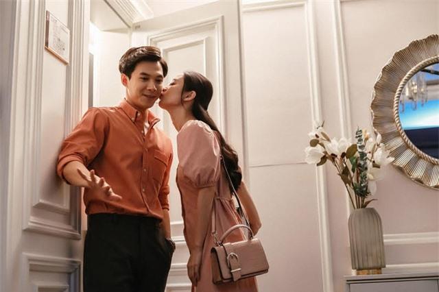Diễn viên Jun Vũ đối đầu Thu Trang trong phim điện ảnh mới - Ảnh 1.