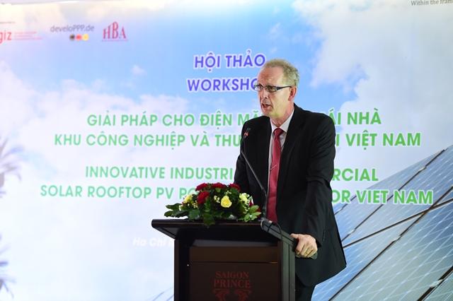 Ông Sven Ernedal, Giám đốc Dự án Năng lượng tái tạo và hiệu quả năng lượng (4E), Chương trình Hỗ trợ Năng lượng GIZ (ESP) chia sẻ