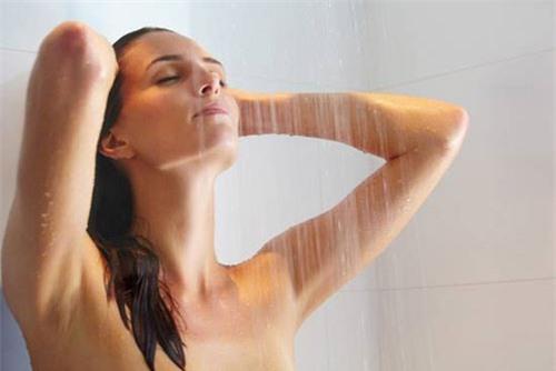 Không tắm ngay sau khi vừa thể dục
