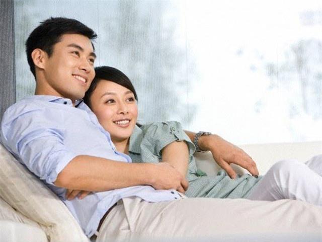 Nghi ngờ chồng tay trong tay với người thứ ba, vợ hãy ghi nhớ những tuyệt chiêu ngăn chặn chồng ngoại tình sau đây - Ảnh 5.