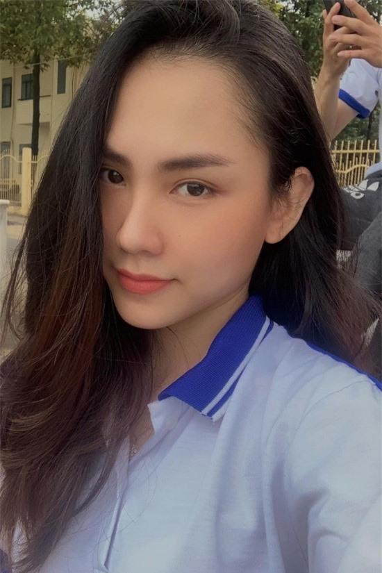 Thí sinh Hoa hậu Việt Nam lột xác so với ảnh đời thường - Ảnh 1.