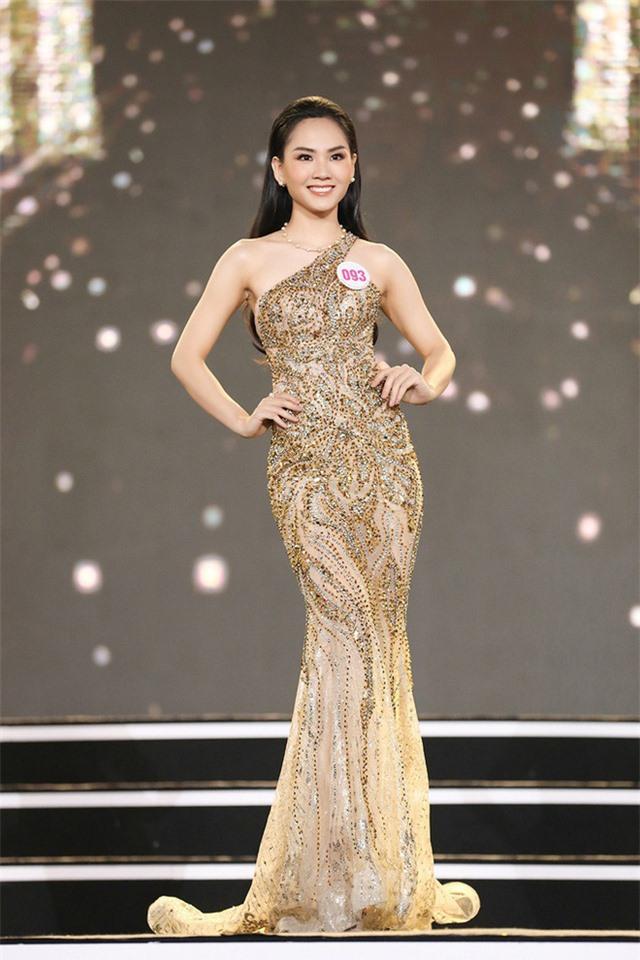 Thí sinh Hoa hậu Việt Nam lột xác so với ảnh đời thường - Ảnh 2.