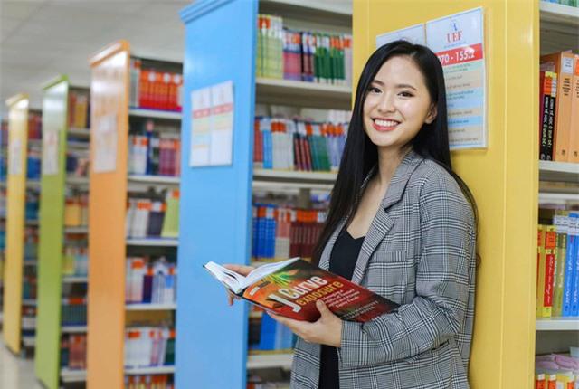 Thí sinh Hoa hậu Việt Nam lột xác so với ảnh đời thường - Ảnh 3.