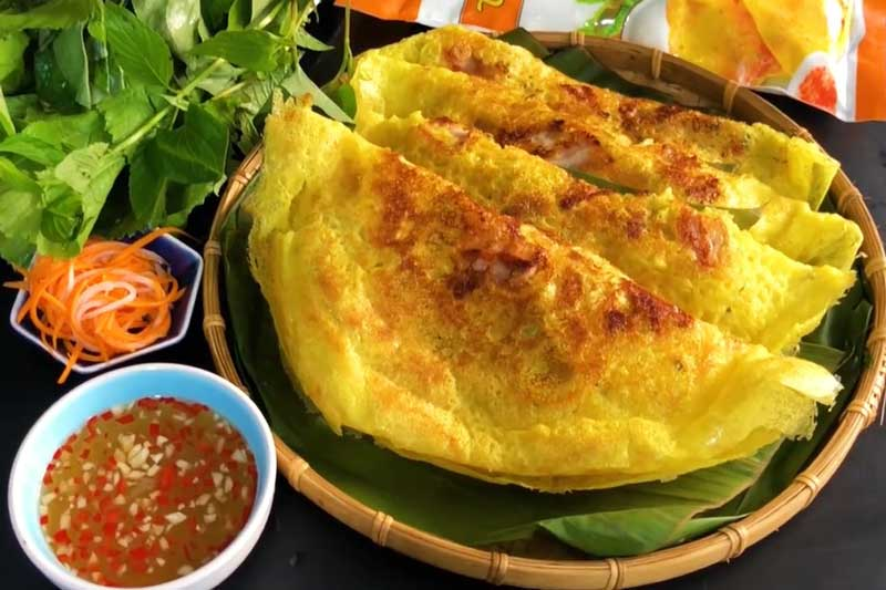 Top 10 món ăn đường phố ngon nhất Việt Nam, đến khách Tây cũng mê mẩn