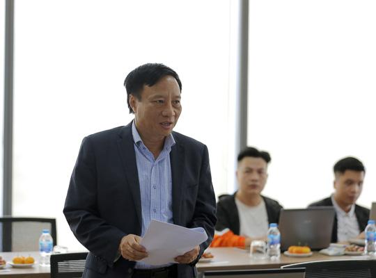 Ông Võ Đăng Thiên - Phó Tổng biên tập Báo VietNamNet phát biểu tại Tọa đàm.