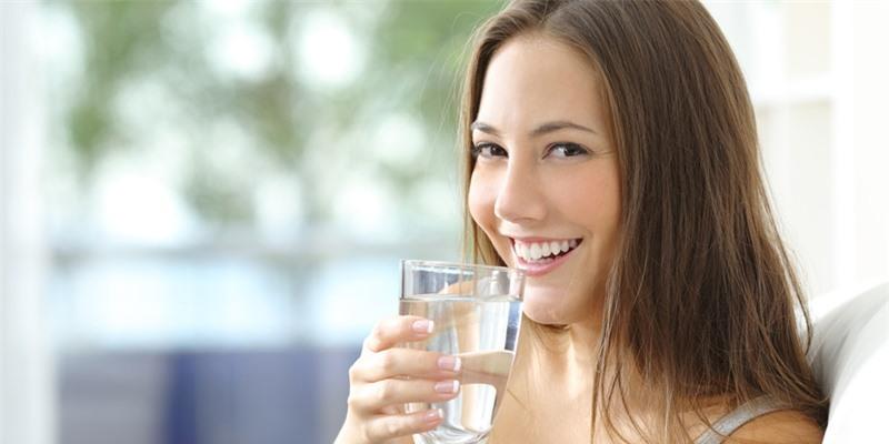 Buổi sáng không uống nước gây hại sức khỏe