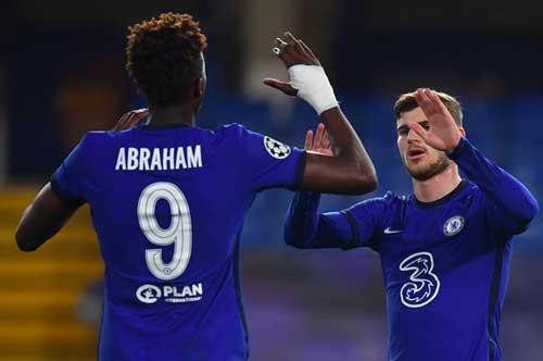 HLV Lampard 'điên đầu' với sự... bùng nổ của Chelsea