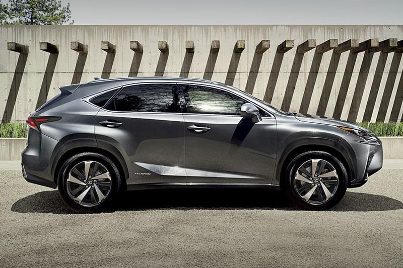 7. Lexus NX Hybrid 2020 (mức tiêu thụ nhiên liệu: 9,1 lít/100 km).