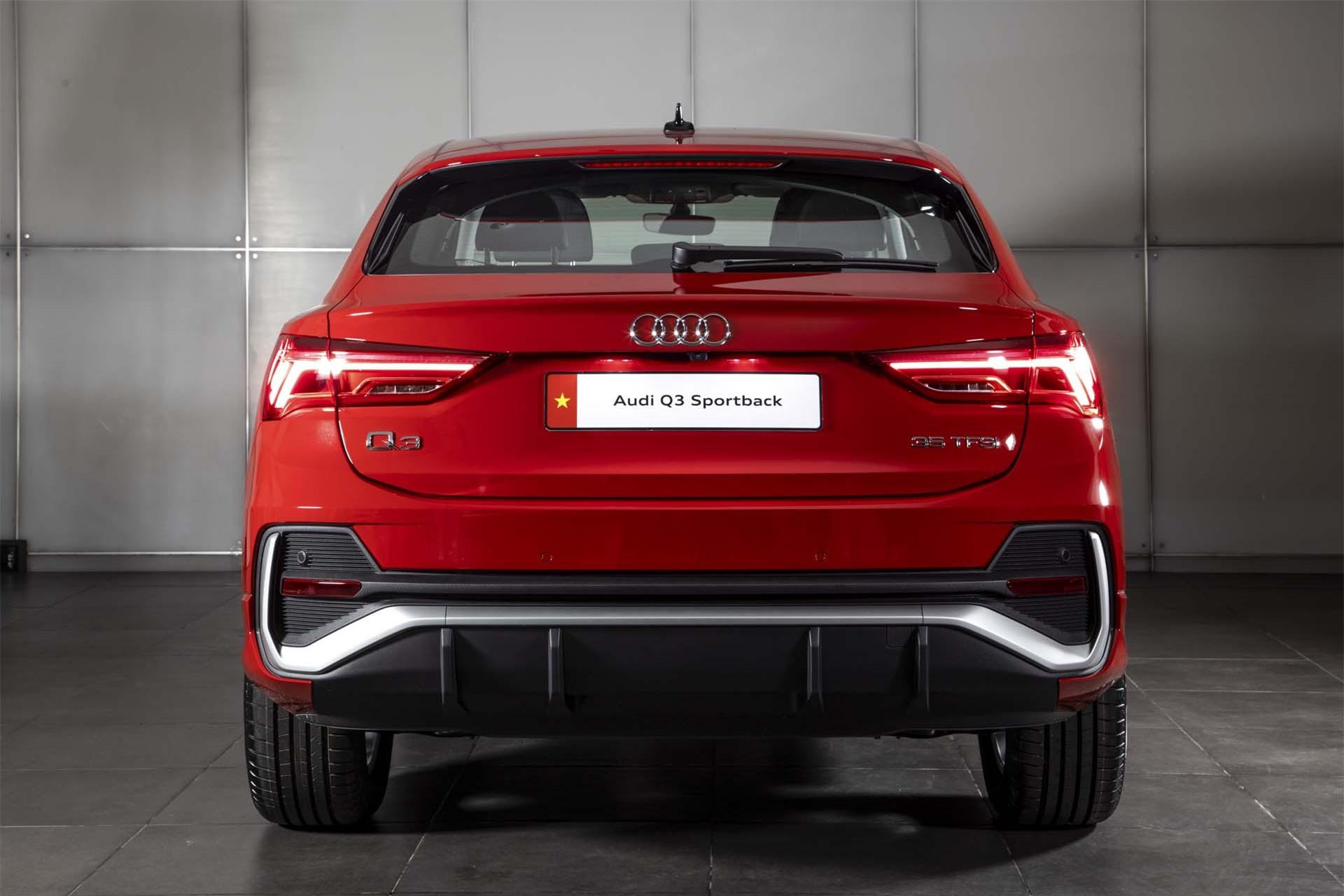Đuôi xe Audi Q3 Sportback
