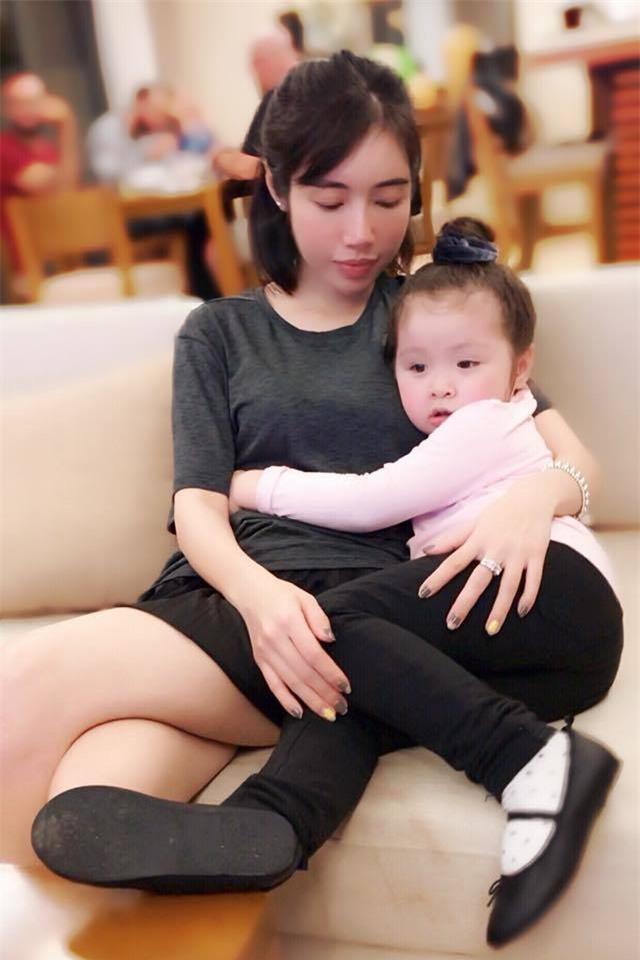 Elly Trần: Sống bình dân, không nghiện hàng hiệu - Ảnh 4.