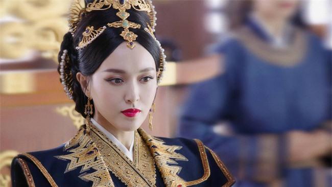 Yến Vân Đài: Loạt ảnh làm Thái Hậu của Đường Yên, môi đỏ mặt láng mịn cực kỳ xinh đẹp  - Ảnh 1.