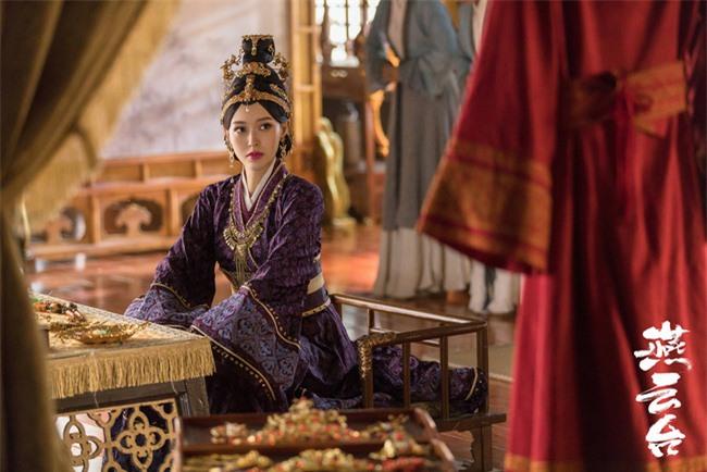 Yến Vân Đài: Loạt ảnh làm Thái Hậu của Đường Yên, môi đỏ mặt láng mịn cực kỳ xinh đẹp  - Ảnh 6.