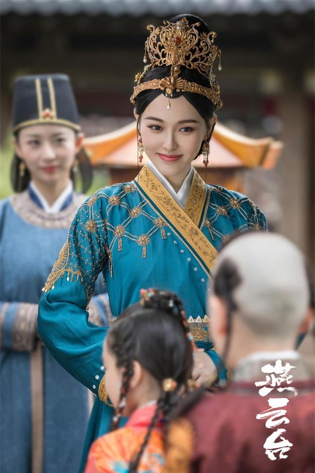 Yến Vân Đài: Loạt ảnh làm Thái Hậu của Đường Yên, môi đỏ mặt láng mịn cực kỳ xinh đẹp  - Ảnh 8.