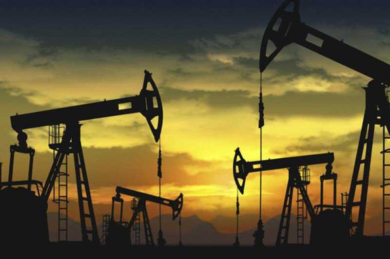 Giá xăng, dầu (24/11): Tăng vọt