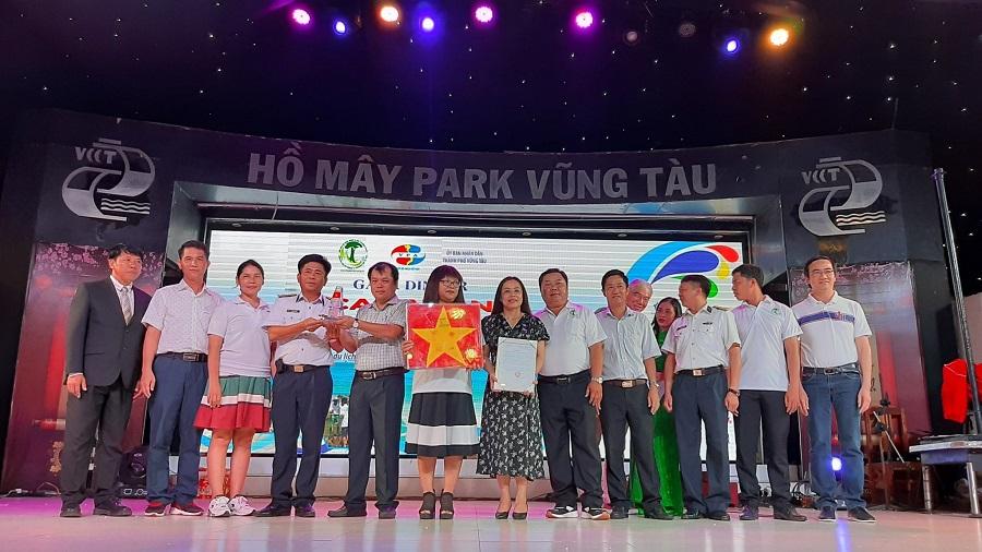 """HANE và VBA đã chính thức ra mắt chương trình """"Vì Biển đảo xanh Tổ quốc"""", triển khai trong vòng 3 năm (2020-2023). Ngay tại lễ ra mắt tại Hồ Mây (Vũng Tàu), chương trình đã nhận được sự ủng hộ to lớn của các doanh nghiệp và người dân."""