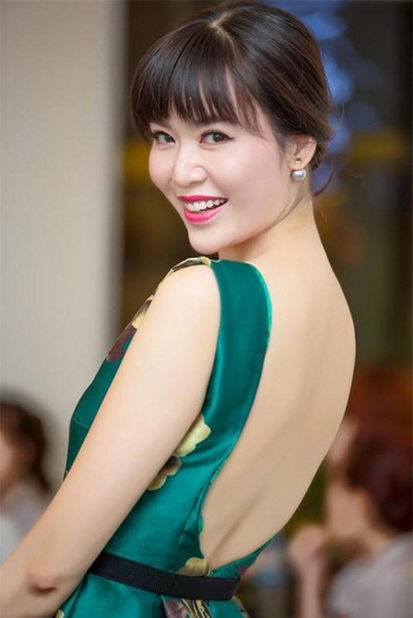 3 Hoa hậu Việt Nam tài sắc vẹn toàn nhưng tình duyên lận đận, có người 2 lần đò không bến đỗ - Ảnh 9.