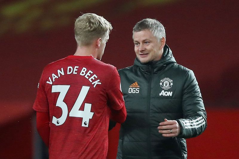 2 sao Man Utd thích nghi với 'bài lạ', Solskjaer mừng ra mặt