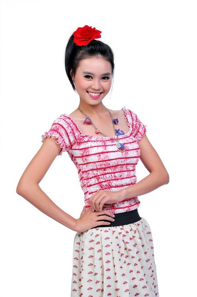 Ninh Dương Lan Ngọc ngày càng xinh đẹp và mặc táo bạo hơn ở tuổi 30 - Ảnh 1.