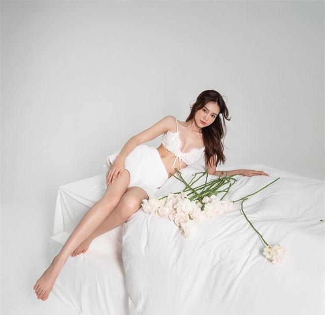 Ninh Dương Lan Ngọc ngày càng xinh đẹp và mặc táo bạo hơn ở tuổi 30 - Ảnh 2.