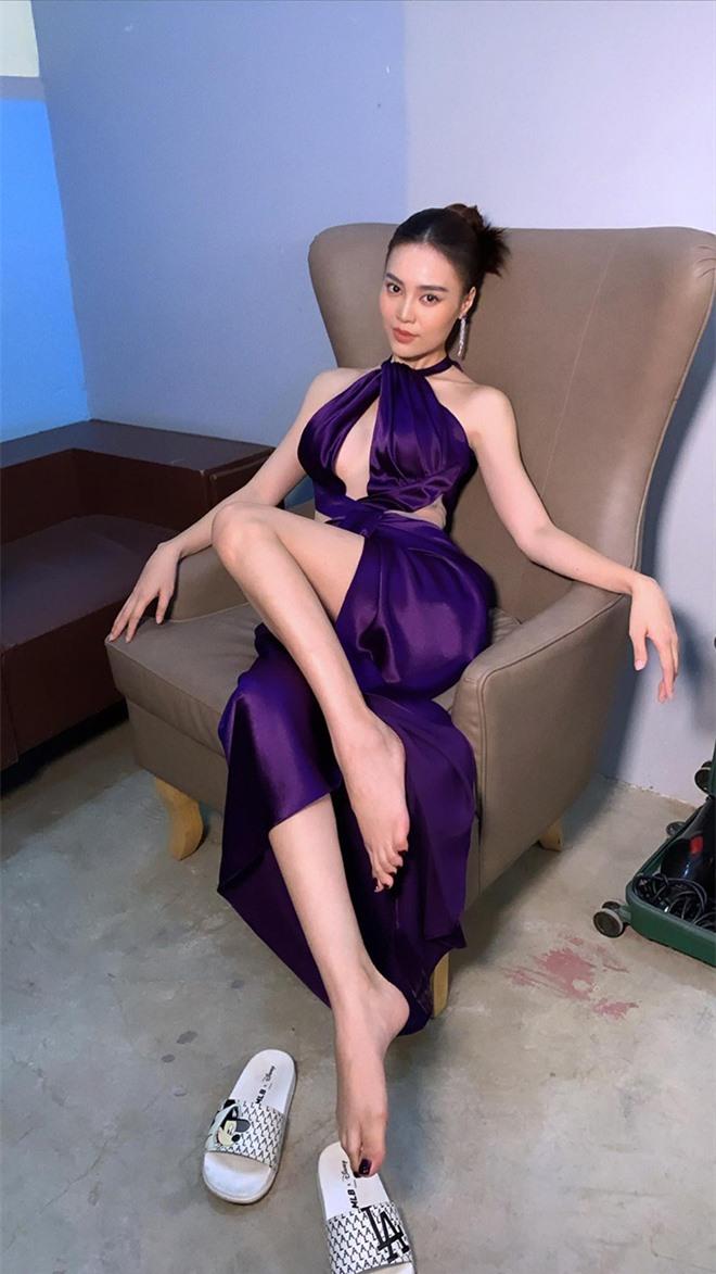 Ninh Dương Lan Ngọc ngày càng xinh đẹp và mặc táo bạo hơn ở tuổi 30 - Ảnh 3.