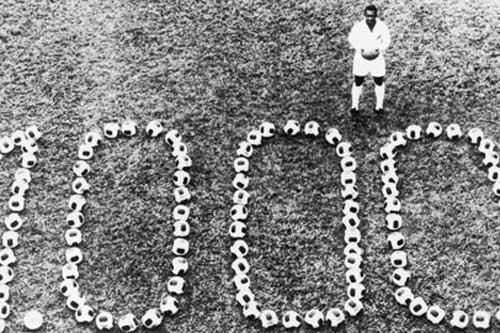 Vua bóng đá Pele đã ghi được 1.000 bàn thắng.