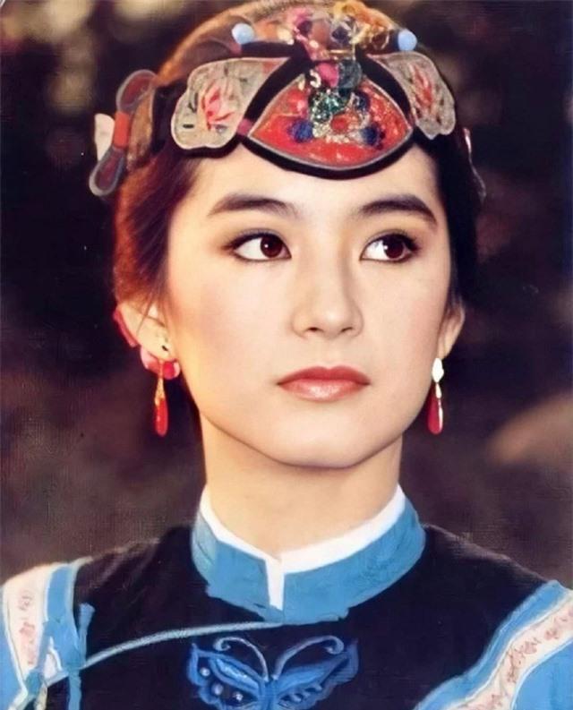 Vẻ đẹp thời xuân sắc của đệ nhất mỹ nhân Hong Kong Lâm Thanh Hà khiến các đàn em phải chịu thua - Ảnh 5.