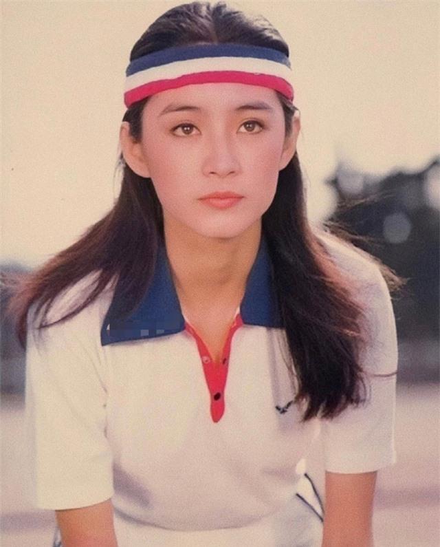 Vẻ đẹp thời xuân sắc của đệ nhất mỹ nhân Hong Kong Lâm Thanh Hà khiến các đàn em phải chịu thua - Ảnh 7.