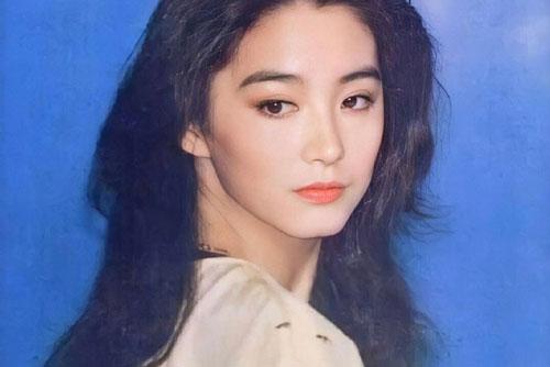 """Vẻ đẹp thời xuân sắc của """"đệ nhất mỹ nhân Hong Kong"""" Lâm Thanh Hà khiến các đàn em phải chịu thua"""