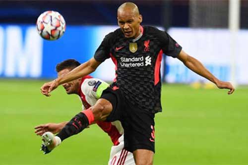 Liverpool phòng ngự... tốt hơn khi vắng Van Dijk