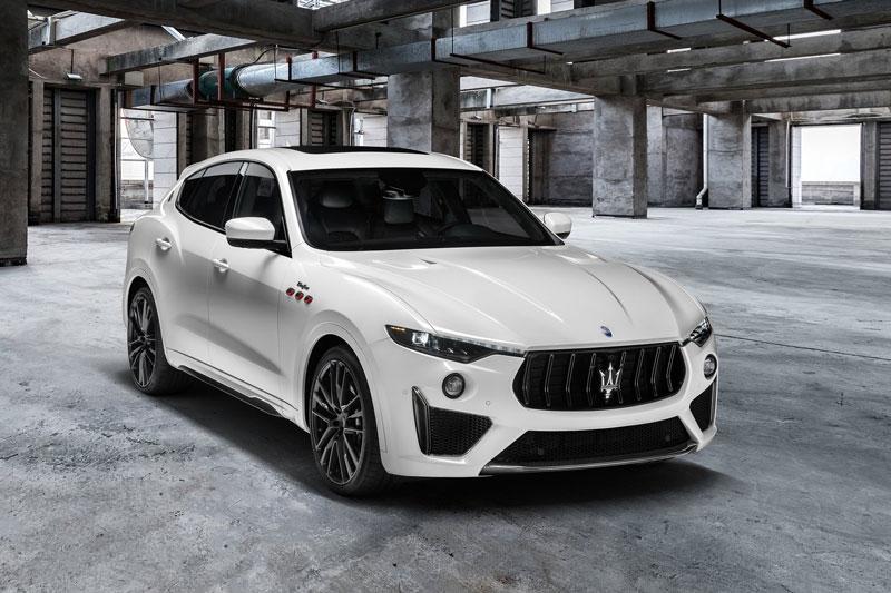 =8. Maserati Levante Trofeo 2021 (thời gian tăng tốc từ 0-96 km/h: 3,7 giây).