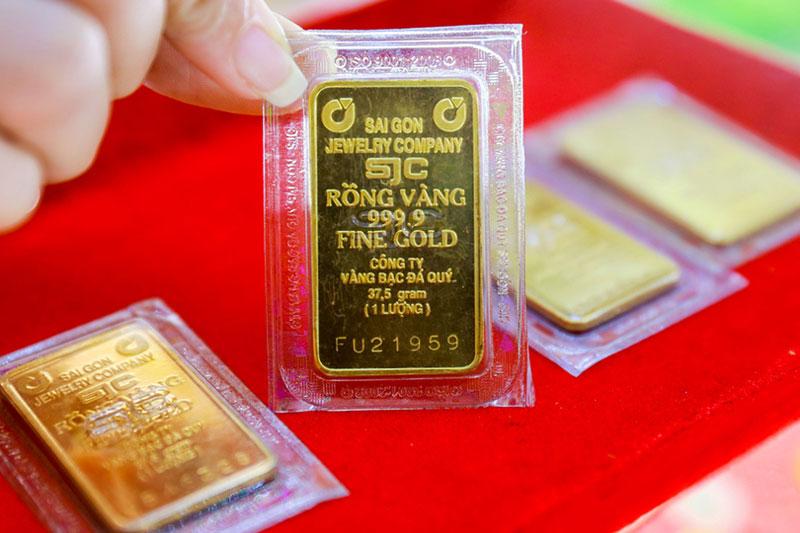 Giá vàng hôm nay (26/11): Giá vàng trong nước rơi khỏi mốc 55 triệu đồng/lượng