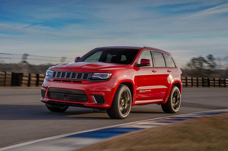 =2. Jeep Grand Cherokee Trackhawk 2021 (thời gian tăng tốc từ 0-96 km/h: 3,5 giây).